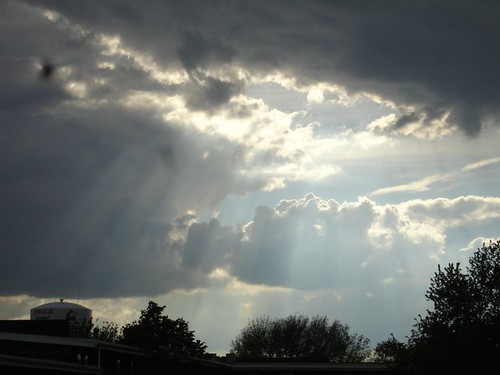 Streaming thru the clouds.