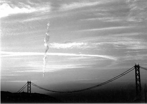Awan Vertikal Tanda  Gempa di Kobe 17 Januari 1995