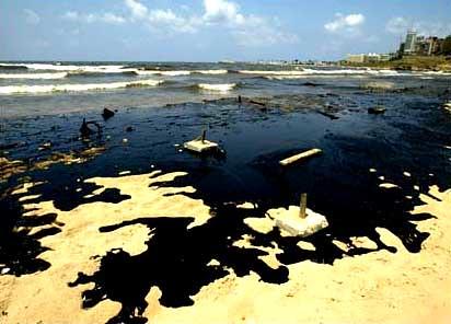 Oil spill on Lebanese shores