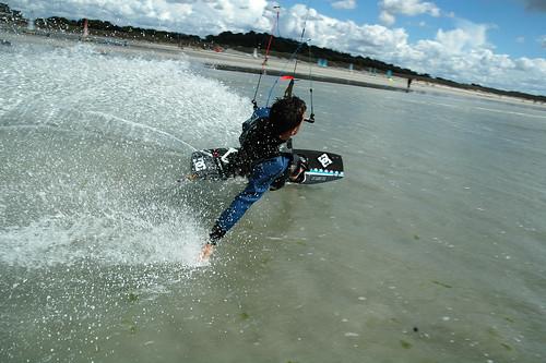 Yann en kitesurf au Dossen