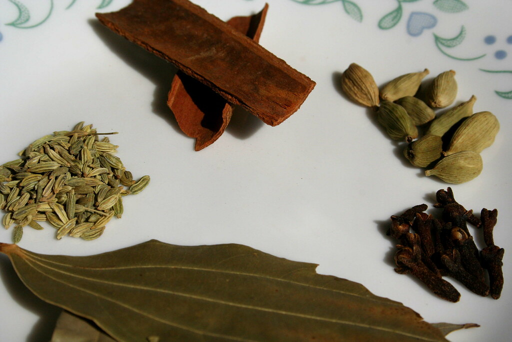 From Top Clockwise: Cinnamon, Cloves, Bayleaves, Saunf