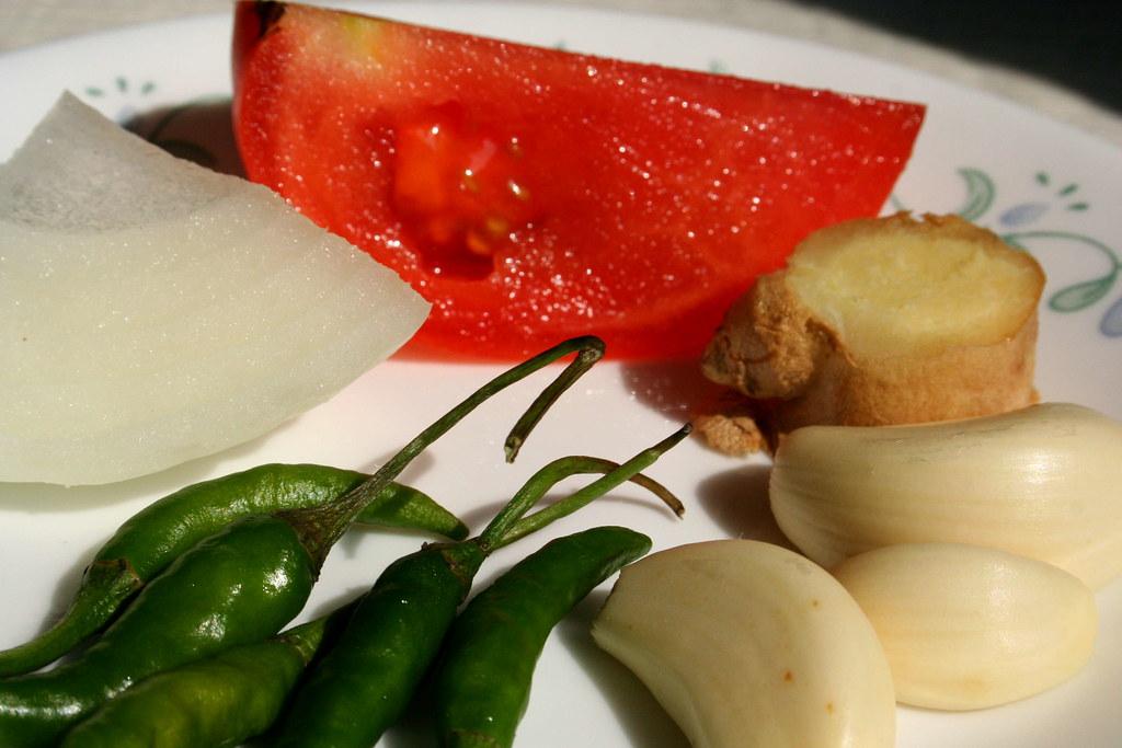 Clockwise: Tomato, Ginger, Garlic, Green Chillies, Onion