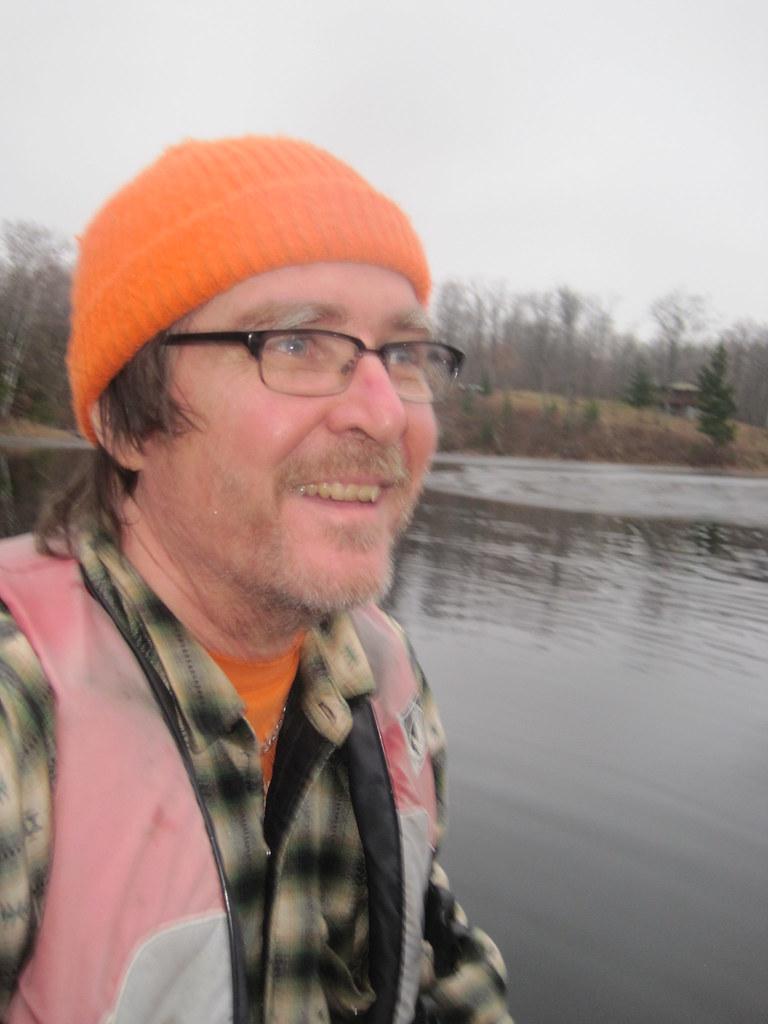 2011-11-25 Breaking Ice for 1 last canoe ride 013