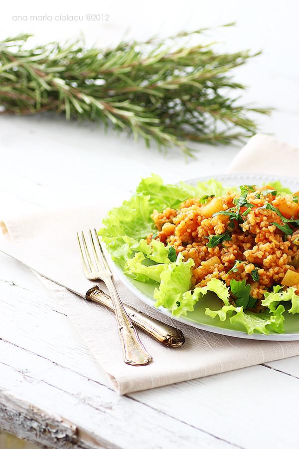 Pilav turcesc de bulgur cu legume