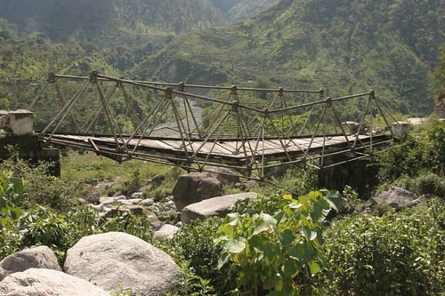 Broken Bridge, Munsiyari-Jauljibi Road, Uttaranchal, May2006