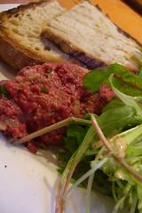 tartare de cerf avec salade