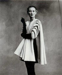 Lissa Fonssgrives  by Irving-Penn Modelo Balenciaga