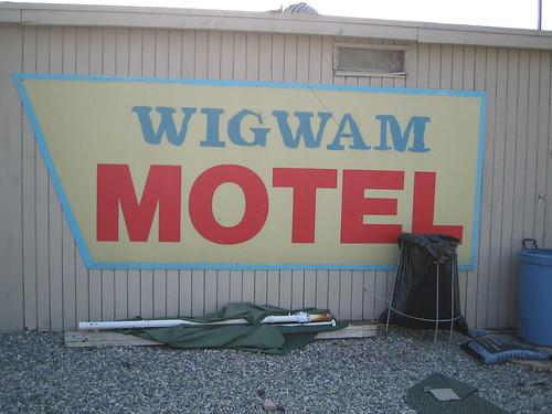 Wigwam Motel original sign