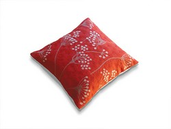 cow_parsley_pillow