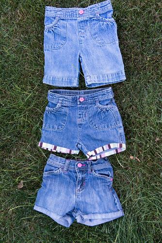 12-06-06_MakingShortsFromJeans12.jpg