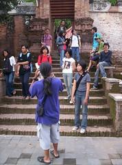 Menuju kompleks pemandian (Sendang Seliran) di samping selatan kompleks makam kerajaan di Kotagede. (foto: elanto w.)