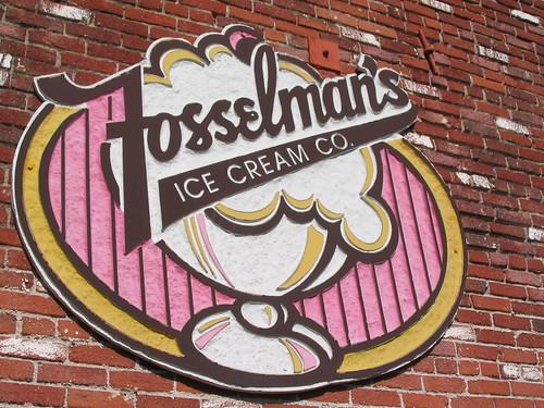 Fosselman's signage