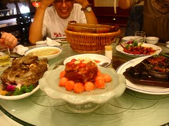 王潤興酒樓的豪華晚餐
