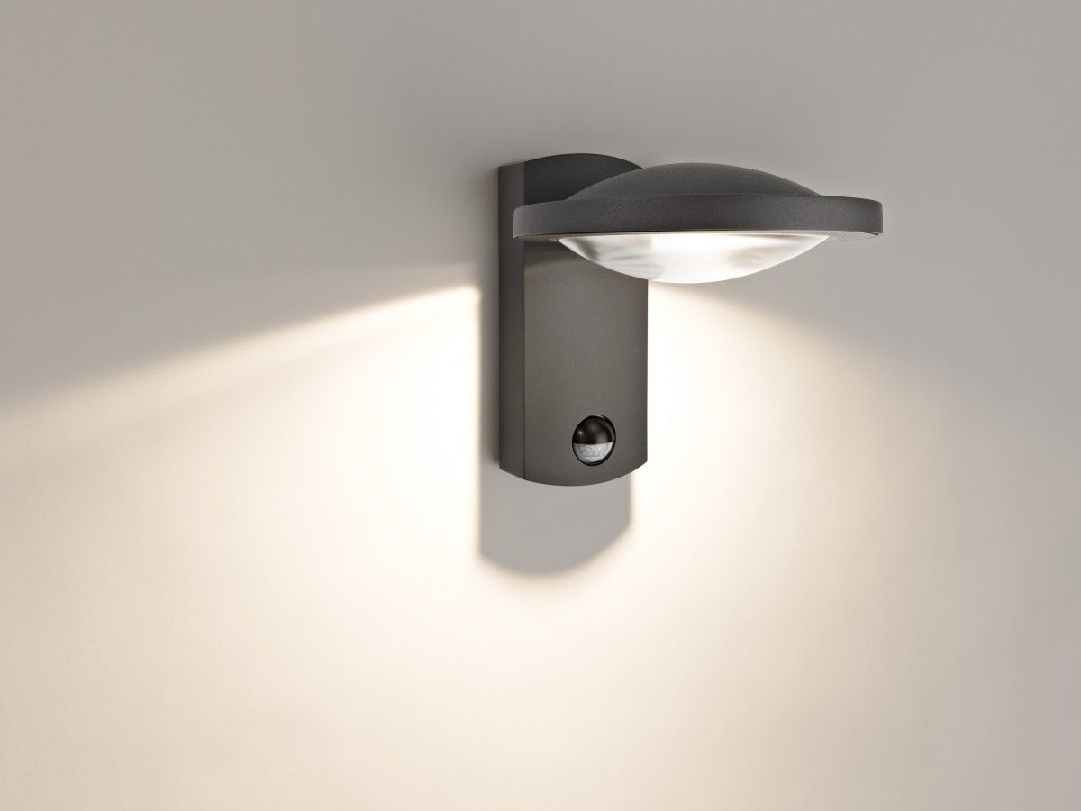 Buitenlamp Met Sensor Zwart.Buitenlamp Met Schemersensor Led Us 46 86 Black 100w Led
