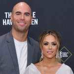 Jana Kramer details 'strange' run-in with ex Mike Caussin while out with Jay Cutler 💥👩💥