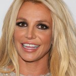 Britney Spears shows off in two bikinis, says she's 'not ready to shop at old lady stores' 💥👩💥