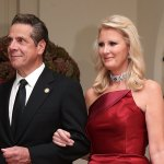 Andrew Cuomo's ex-girlfriend, Sandra Lee, moves on amid his ongoing sexual harassment scandal: report 💥👩💥