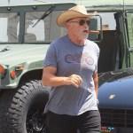 Maskless Arnold Schwarzenegger chomps on cigar as he says calling people 'schmucks' over masks crossed a line 💥👩💥