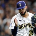 Brewers' Devin Williams breaks throwing hand after punching wall, will miss playoffs 💥👩👩💥