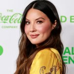 Olivia Munn shows off baby bump on Instagram after John Mulaney announced they're expecting a kid together 💥👩💥