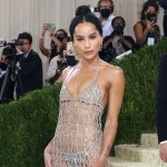 Zoë Kravitz responds after social media user comments on star's 'practically naked' look at the 2021 Met Gala 💥👩💥