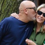 Chelsea Handler and boyfriend Jo Koy are all loved up during NYC stroll 💥👩💥