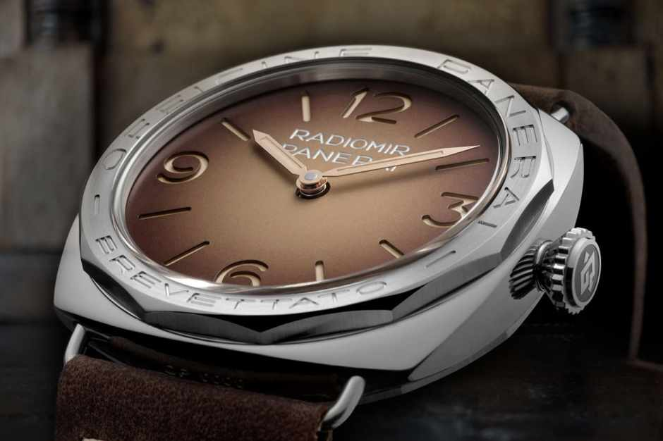 - PAM 00687 Brevettato with shaded brown dial -