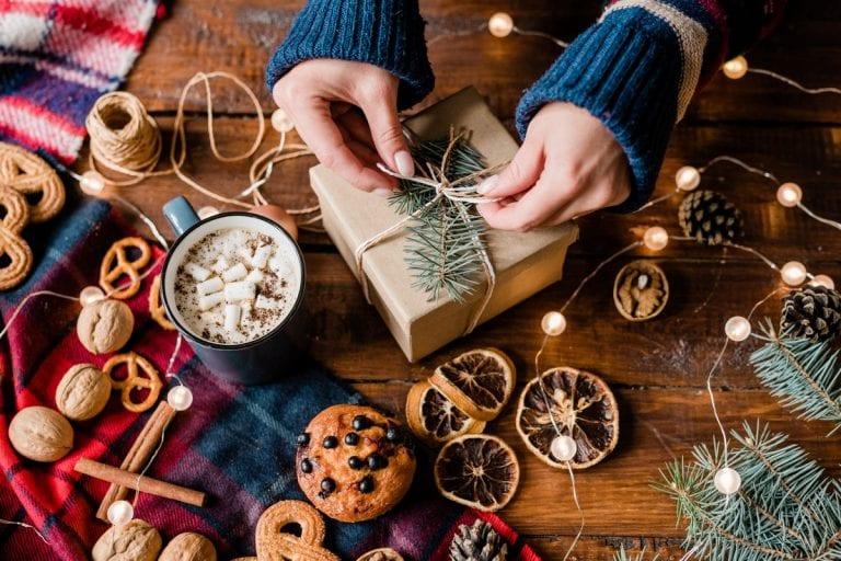 Forse ti sembrerà un dono insolito, ma se tu hai degli amici con cui passi molto tempo. Regali Gastronomici Per Natale Sotto I 10 Euro Gambero Rosso