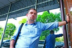 """Народний депутат Андрій Левус: """"Це """"вірус Ющенка""""— треба помиритися зросіянами, об'єднати всіх вУкраїні таякось пропетляти докінця терміну. Невийде,бопролилася кров"""""""