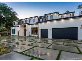modern mansion giggster