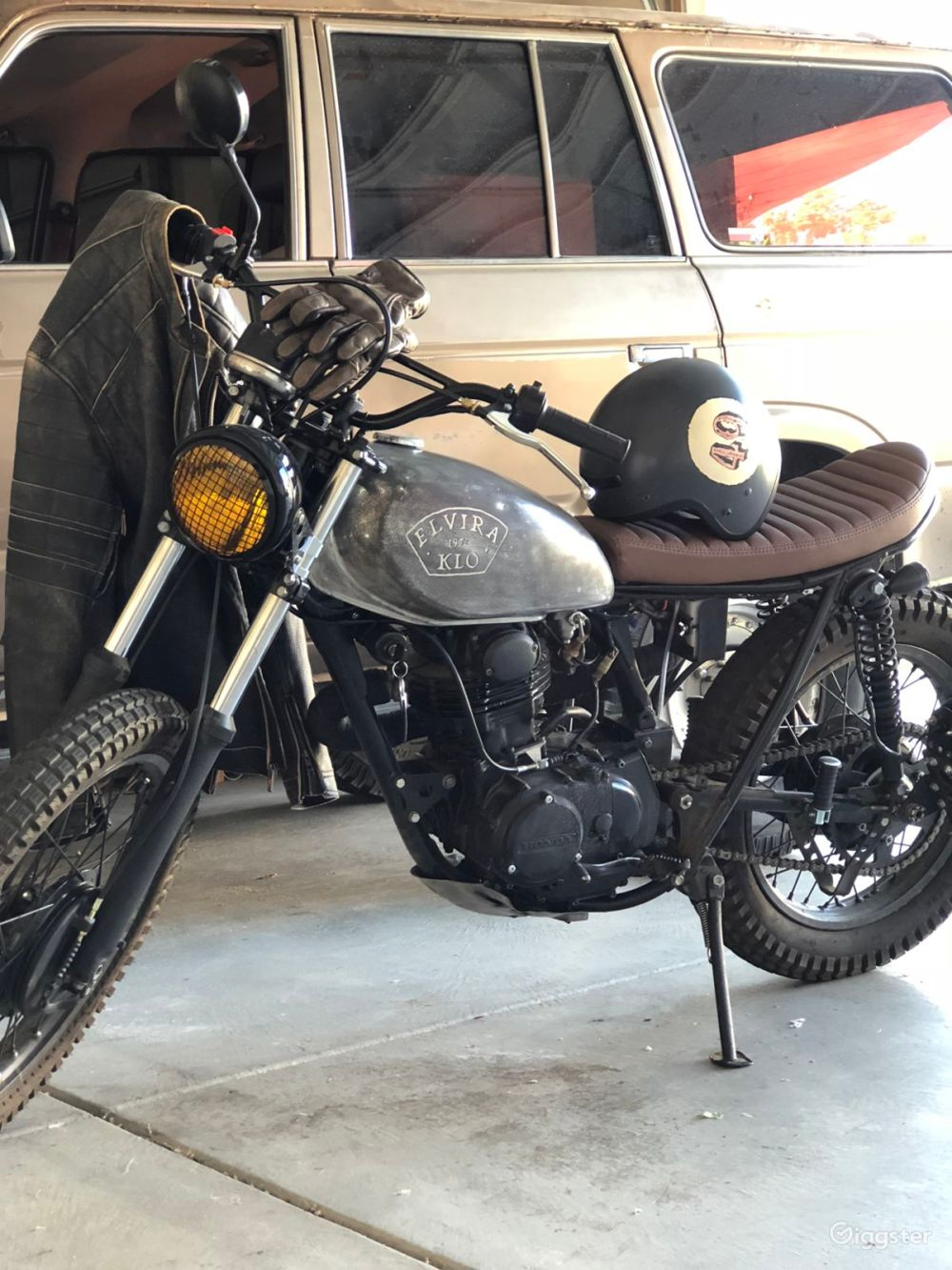 medium resolution of rent the motorcycle transportation 1972 honda scrambler awesome distressed look for filming