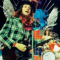 Slade's Noddy Holder to pick up 800k for 'Merry Christmas ...