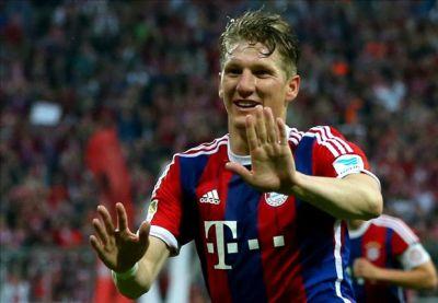 Bayern & Man Utd confirm Schweinsteiger transfer