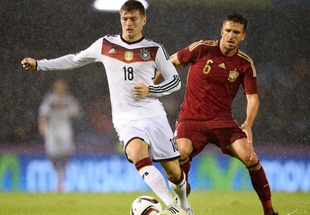 Kroos foi o autor do gol alemão no amistoso