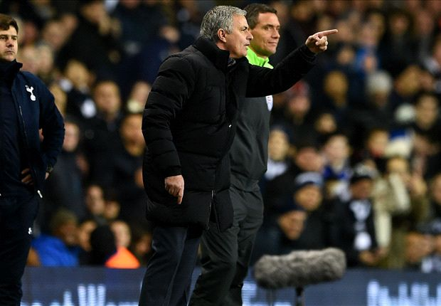 Mourinho: Chelsea's opponents keep getting Christmas gifts