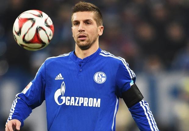 Schalke anuncia contratação em definitivo de Nastasic