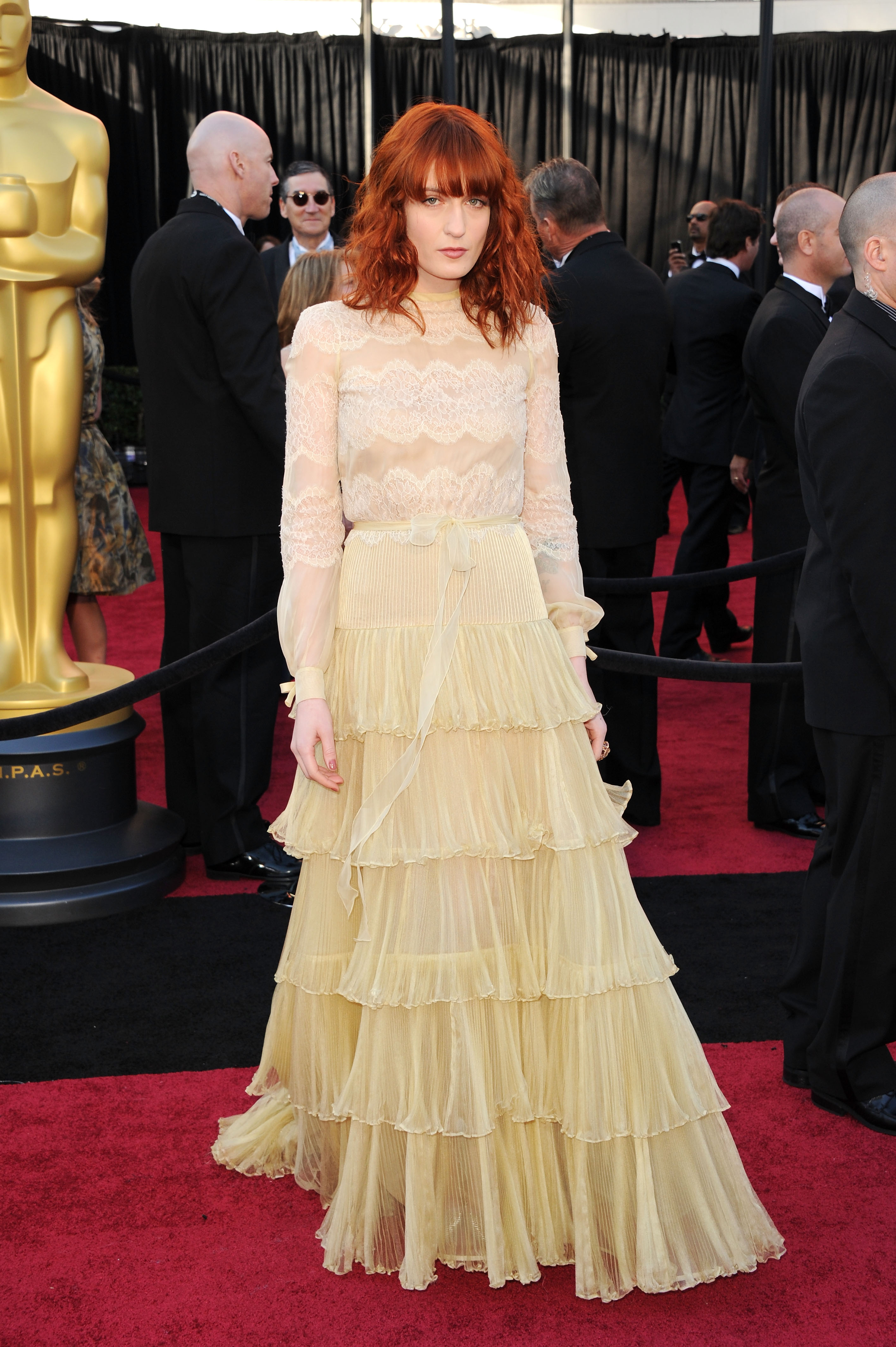 https www gofugyourself com oscars fug carpet and less fug other things florence welch 02 2011