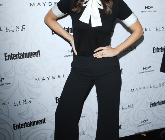 Darcy Carden Entertainment Weekly Hosts