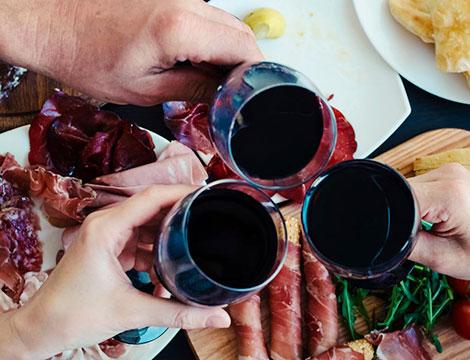 Menu con degustazione di vini e oli in offerta a 2990