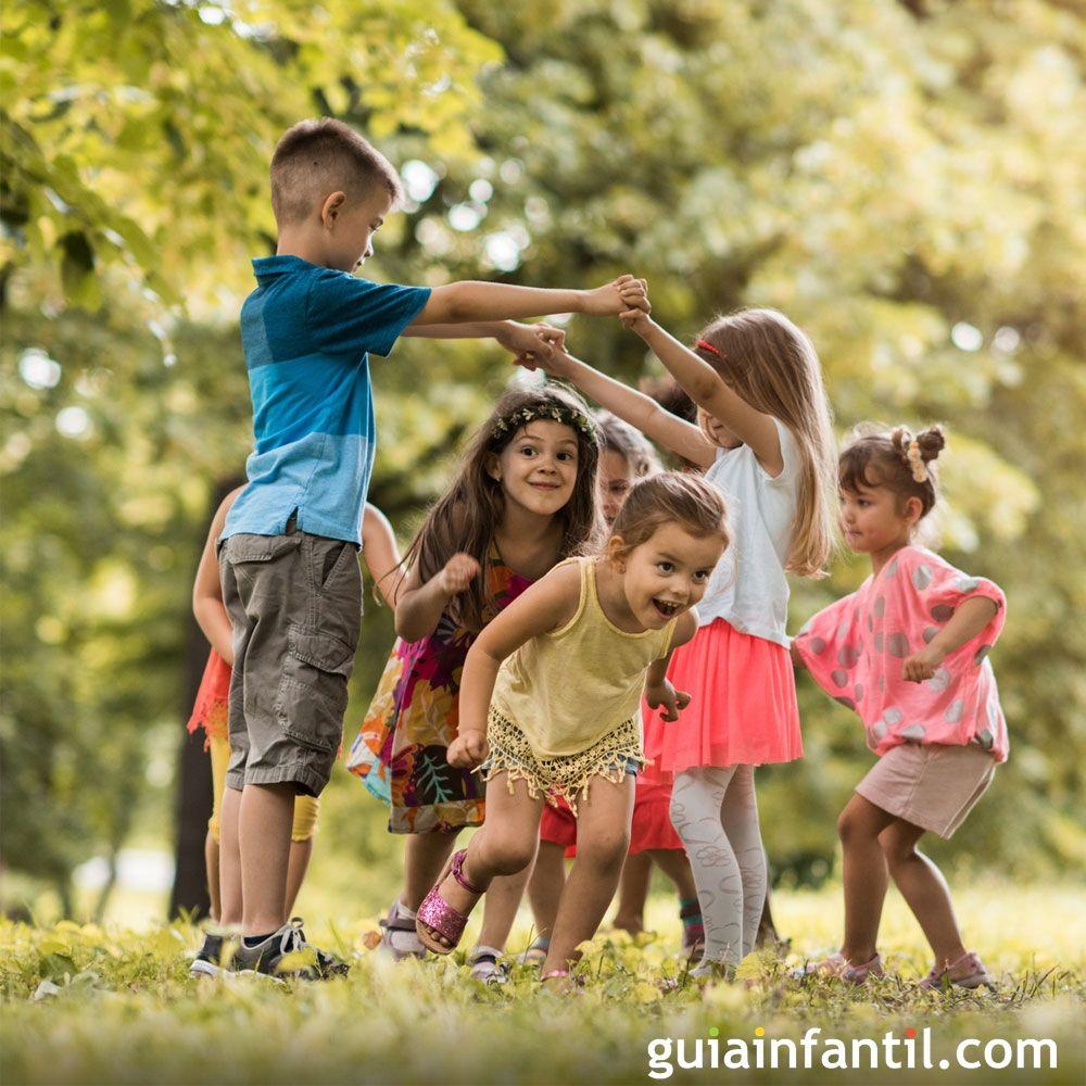 Las 7 actividades que tus hijos deben hacer fuera del