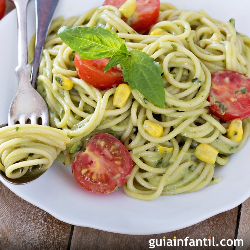 Espaguetis con salsa de aguacate Recetas sanas con pasta