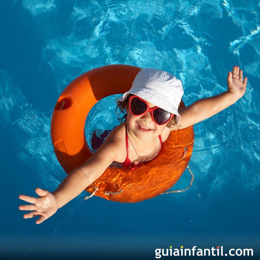 10 juegos para divertirse con los nios en la piscina
