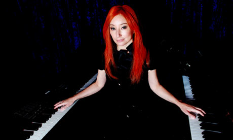 https://i0.wp.com/static.guim.co.uk/sys-images/Arts/Arts_/Pictures/2010/1/4/1262622200836/tori-amos-001.jpg