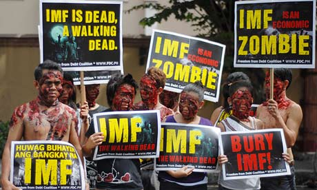 Zombie protest marks visit of IMF Chief to Manila