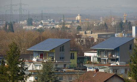 Panel surya di perumahan Freiburg