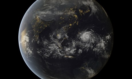 Extreme Weather in 2013 : Typhoon Haiyan Seen Approaching The Philippines