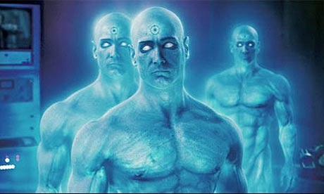 il Dottor Manhattan, lunico vero super-eroe tachionico del film. Il resto della banda (foto in fondo) è formata da persone normali