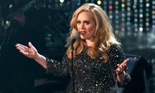 Oscar 2013 Adele perfoms the song