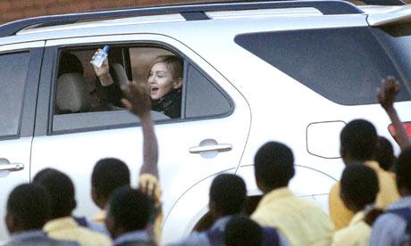 Madonna med handsprit
