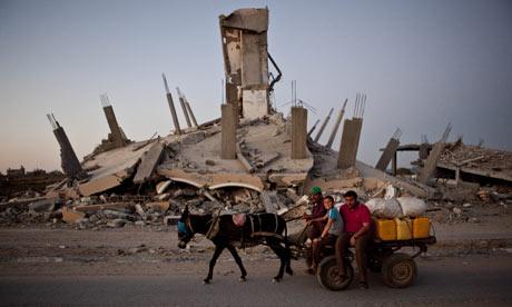 A destroyed building in the Jabal Al-rayas neighbourhood of Gaza City